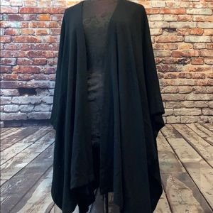 Black cashmere long shawl By Isabelle